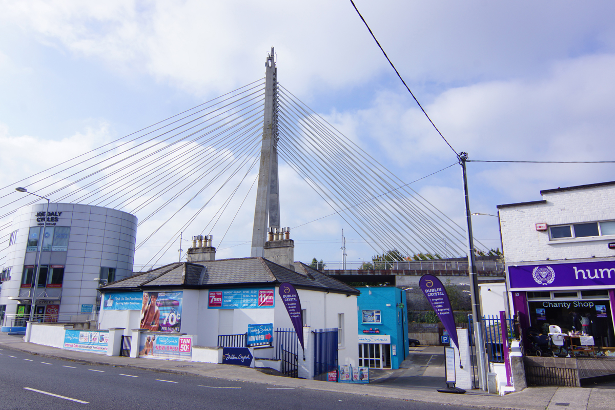 dundrum tanning salon the salon is located beside joe daly cycles and dublin crystal beside the iconic luas bridge